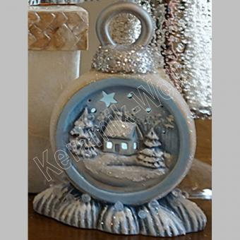 rundes Ornament mit Haus, ausgeschnitten