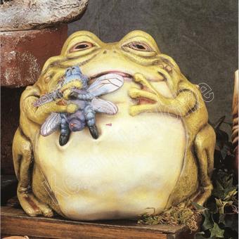 großer, dicker Frosch mit Fliege