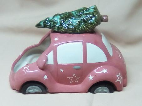 Weihnachtsauto mit Tanne